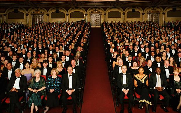 theatre-audience_3133209b